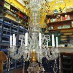 fase di rimontaggio lampadario completa
