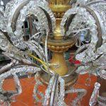 restauro lampadario dettaglio di impianto elettrico